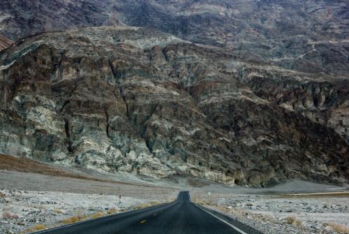 Спуск в Долину Смерти, США
