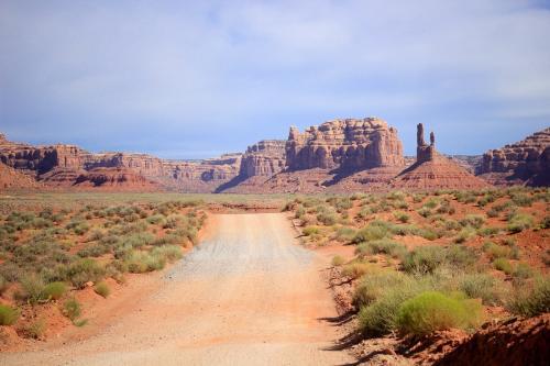 Через Долину Богов, США